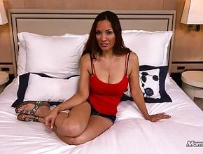 video relacionado Madurita tetona enculada en un casting porno