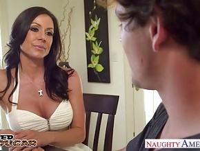 video relacionado La potente Kendra Lust estrena al nuevo novio de su hijita