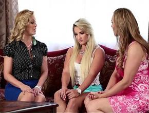 video relacionado Hacen tríos lésbicos a espaldas de sus respectivos esposos