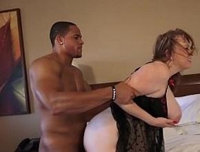 video relacionado Disfruta de una noche de sexo en un hotel con un profesional
