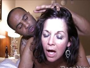 video relacionado Toda una noche de sexo intenso y pasional con un mulato