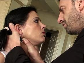 video relacionado Pilla a su mujer española zorreando con otro y la castiga con sexo duro