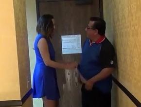 video relacionado Inquilina se la chupa al casero para pagarle el alquiler
